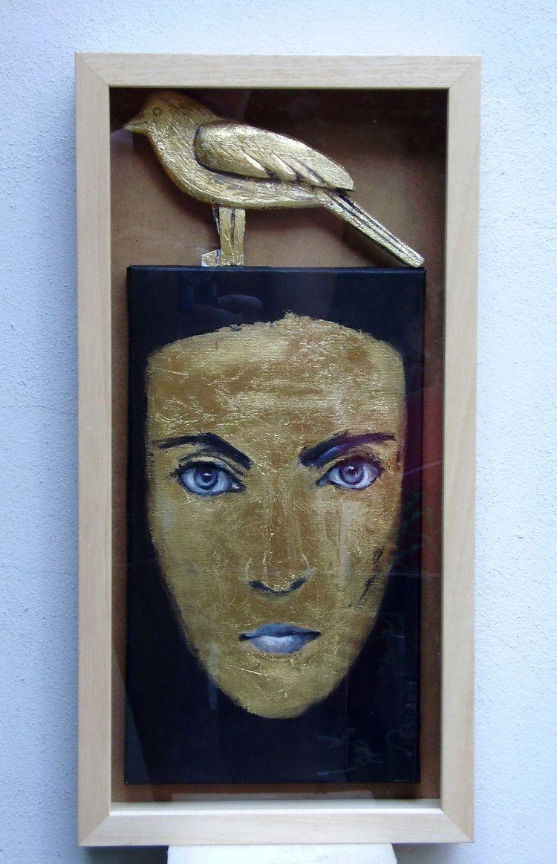 Doamna misterioasa, pictura ulei si aur pe panza, lemn aurit,in caseta de lemn.autor Elena Scutaru