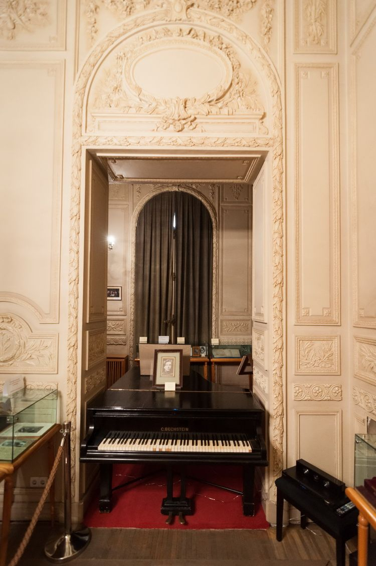 Palatul Cantacuzino - muzeul G. Enescu interior (14)