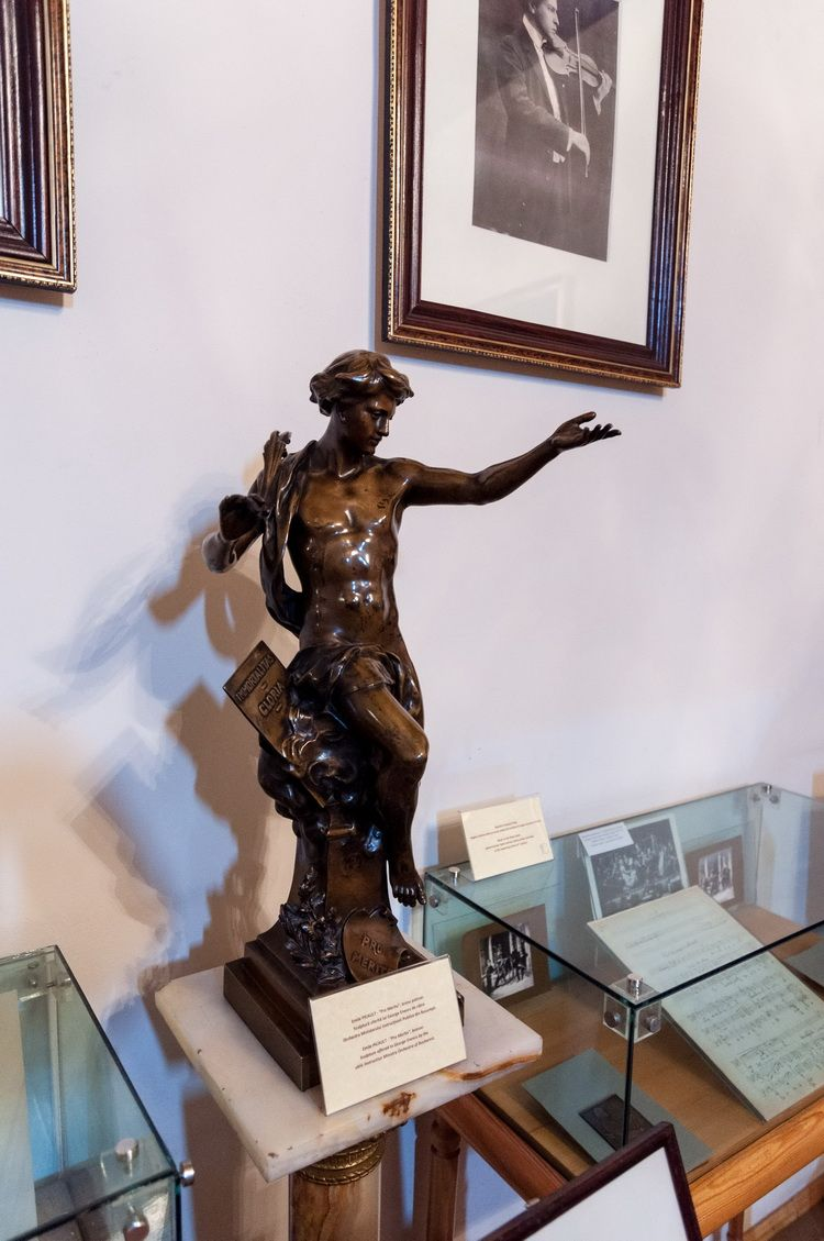 Palatul Cantacuzino - muzeul G. Enescu interior (3)