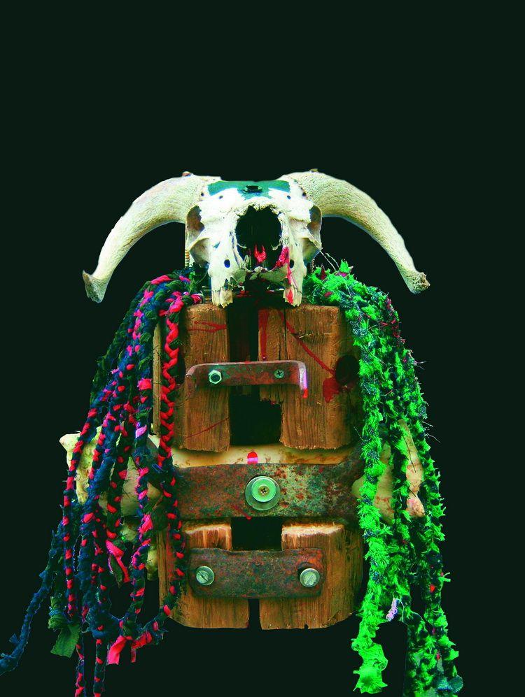 Tara - The Beast III, Mischtechnik, 42 x 32 x 28 cm, 2008