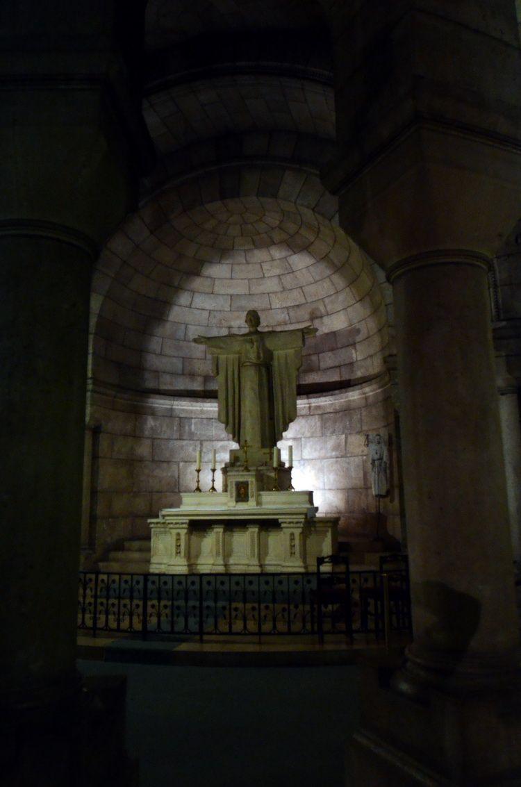 Sacre_Coeur_underground_artindex_004