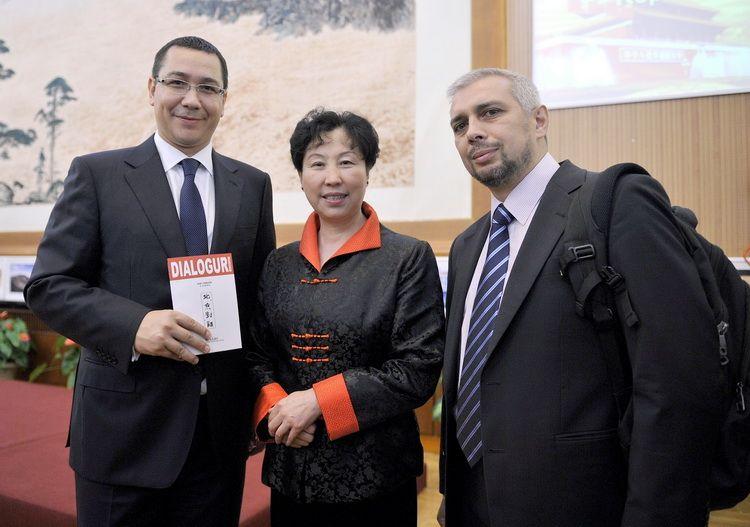 Dialoguri-la-Beijing-cu-Premierul-Victor-Ponta-si-Ambasadorarea-Huo-Yuzhen-30.09.2013