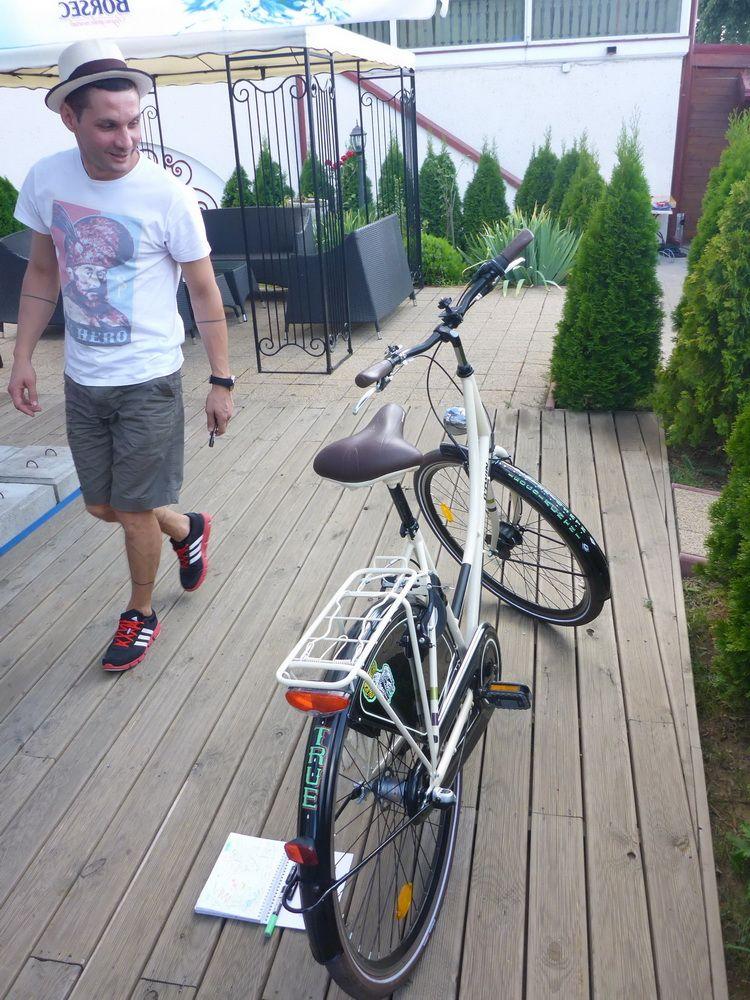mazerschi_artindex_bike_59