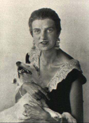 Berenice Abbott - Peggy Guggenheim (1920)