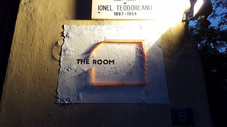 the_room_artindex_16
